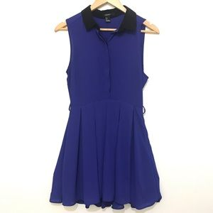 $20/2 - Sleeveless Dress With Black Collar